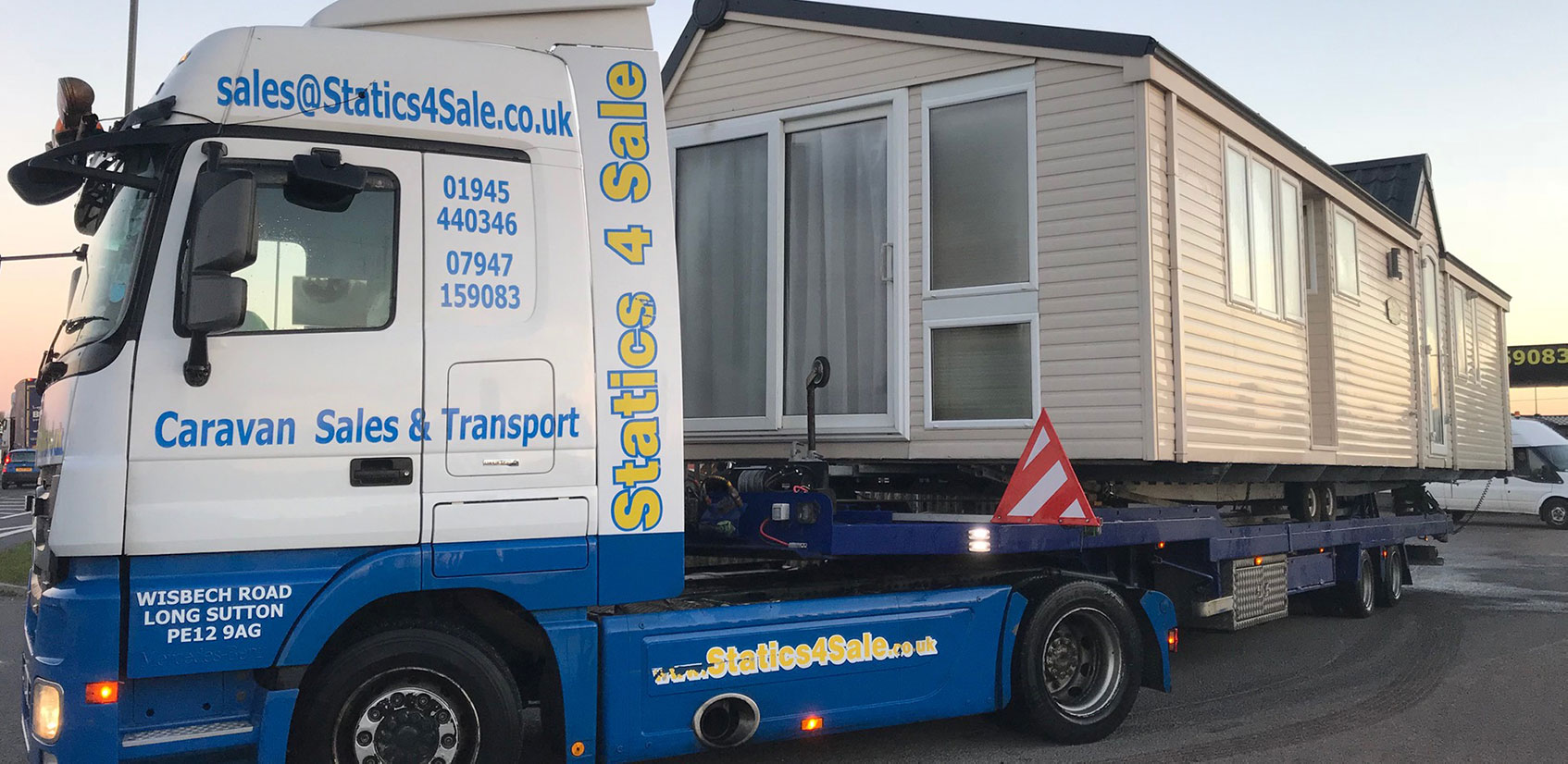 We offer a comprehensive, nationwide, sales, hire & transport service
